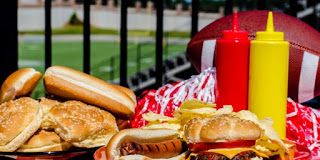 How to have a food-safe tailgating party